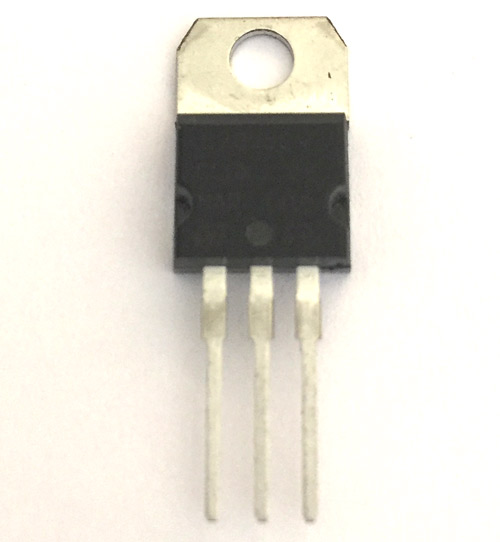 LM7805 Voltage Regulator IC