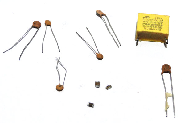 Capacitor Basics, Working and Different Types of Capacitors